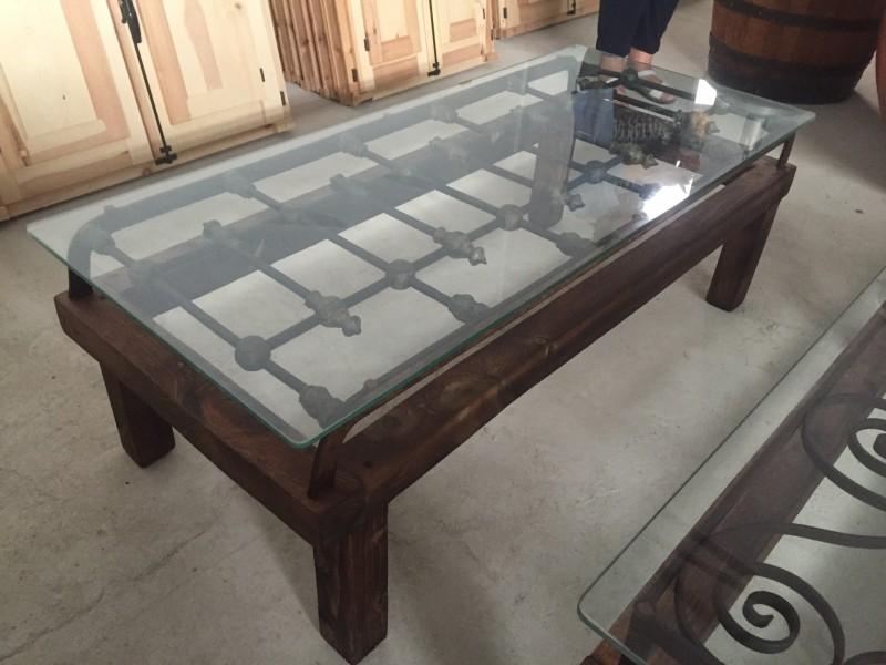 Mesas de madera mesas bancos y sillas cat logo for Como reciclar una mesa de televisor antigua