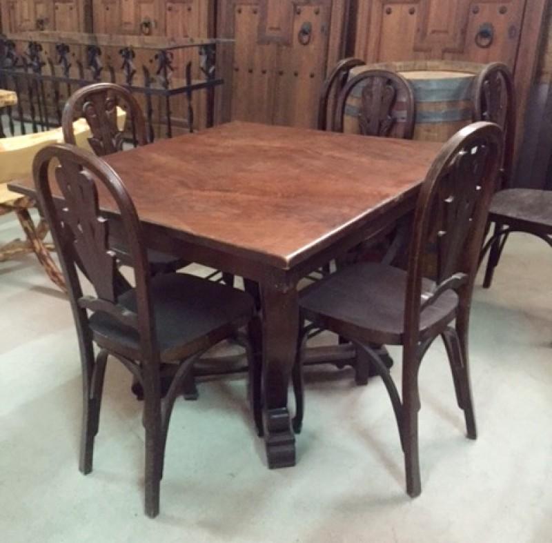 Conjunto de mesa de madera con tablero contrachapado y 6 sillas. Mide 1.01 cm x 1.01 cm x 78 cm de alta.