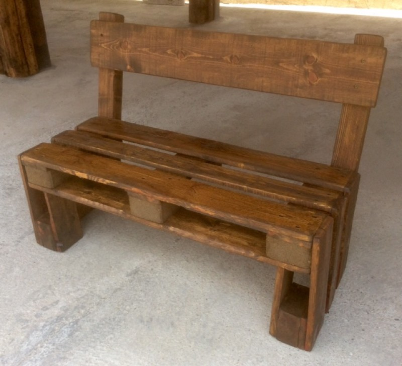 Bancos de madera mesas bancos y sillas cat logo for Catalogo de sillas de madera
