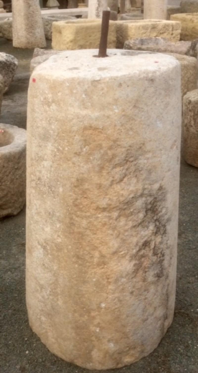 Rulo de piedra viva. Mide 56 cm de diámetro x 1,06 cm de alto