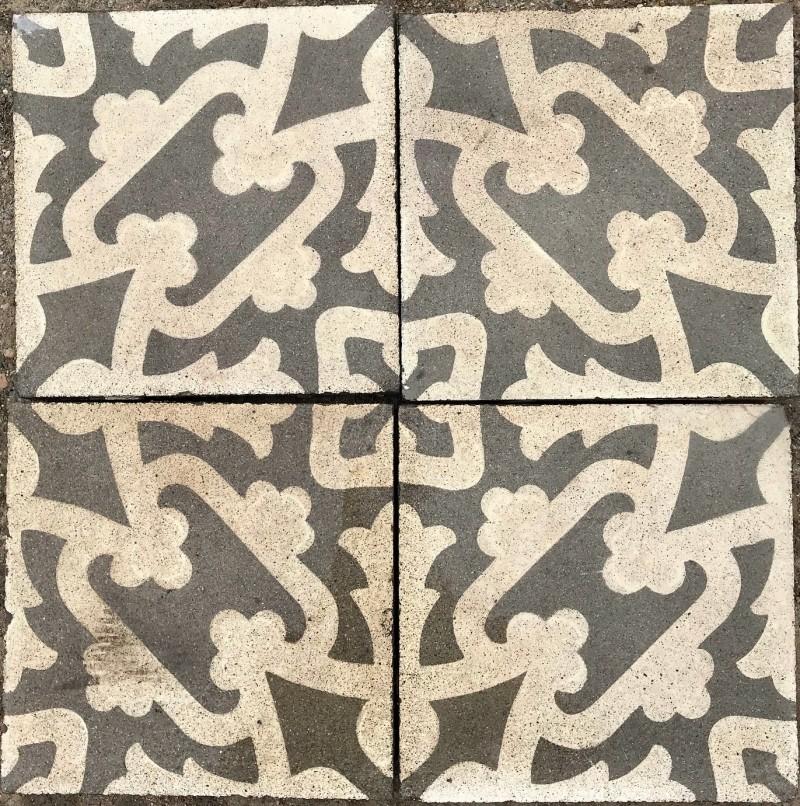 Losa de cemento, mosaico. Mide 20x20 cm. Disponible: 12.16 m2