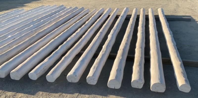 Rollizos cara plana blancos, madera de pino. Hay de 4, 5, 6 y 7 metros