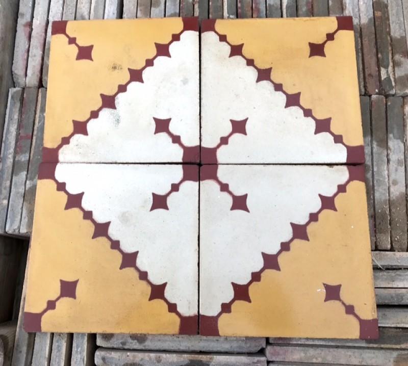 Losa de cemento, mosaico. Mide 20x20 cm. Disponible: 3 m2.