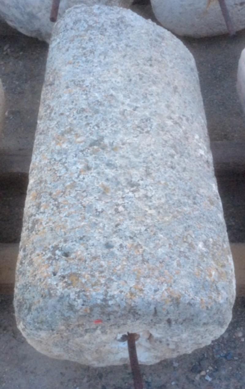 Rulo de piedra caliza. Mide 48 cm de diámetro x 1.02 cm de alto.