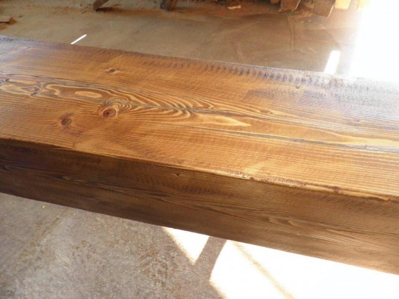 Vigas macizas de madera de pino. Miden 30x30 y 5 ml