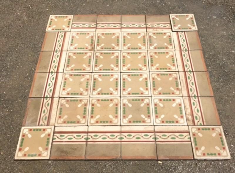 Losa de cemento, mosaico. Mide 20x20 cm. Disponible 5.40 m2 color, hay cenefa a juego 8.80 ml