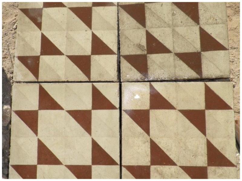 Losa de cemento, mosaico. Mide 20x20 cm. Disponible 18 m2