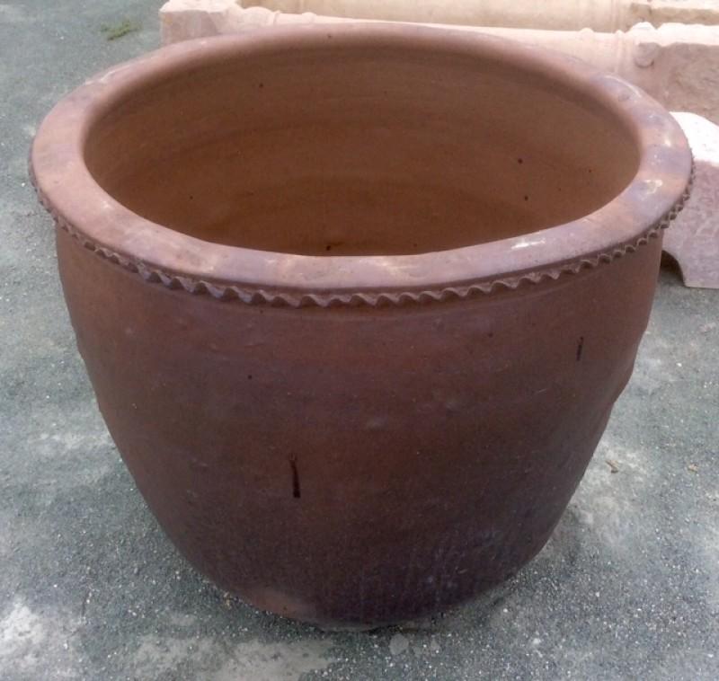 corcio de piedra artificial, mide 90 cm de diámetro exterior x 73 cm de diámetro interior x 77 cm de alto