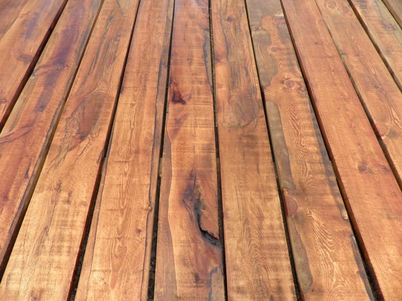 Tabla para techos madera de pino Valsain. Mide 20 cm x 2,5 ml x 2,5 cm de gruesa.