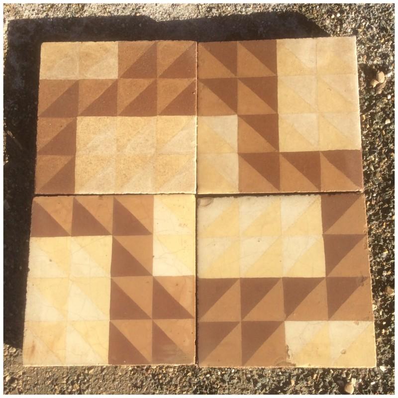 Losa de cemento, mosaico. Mide 20x20 cm. Disponible: 21,50 m2