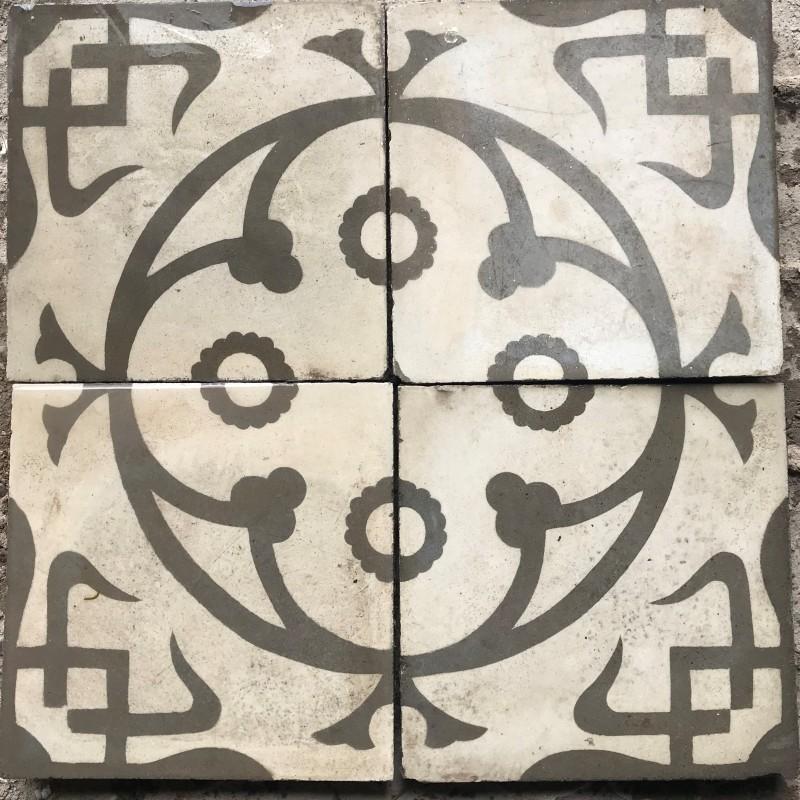 Losa de cemento, mosaico. Mide 20x20 cm. Disponible: 18.76 m2