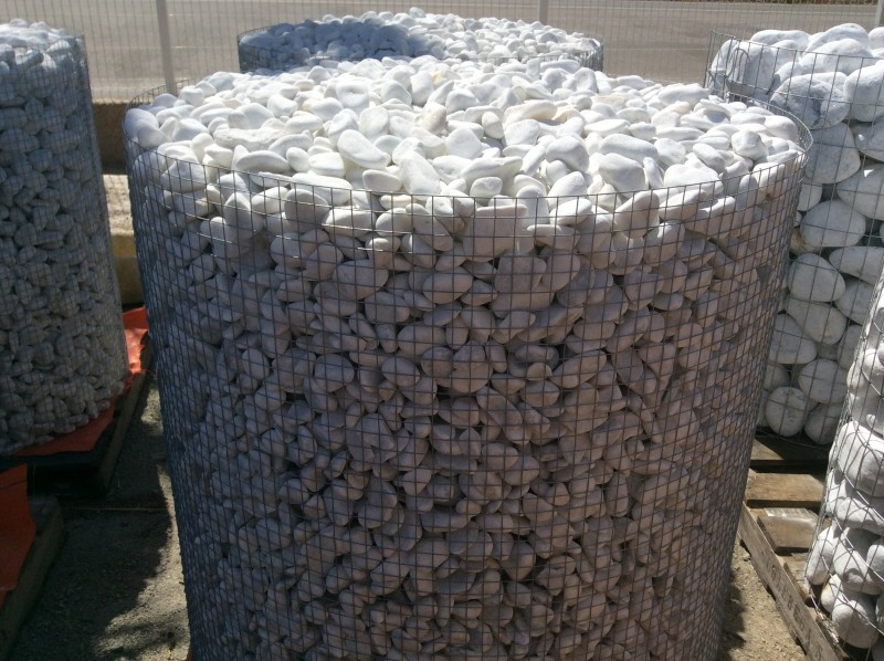 Bolos de piedra 25/40  blancos. Perfectos para jardín