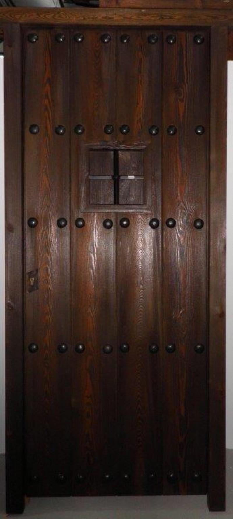 Puertas exteriores puertas y ventanas cat logo for Puertas color pino