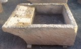 Pila de lavar antigua, mide 1.19 cm x 90 cm x 44 cm de alto.