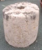 Rulo de piedra viva. Mide 45 cm de diámetro x 46 cm de alto