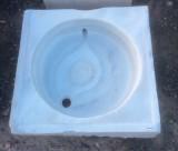 Fregadero de un seno de mármol blanco Macael, procedencia antiguo convento de monjas, mide 52 cm x 52 cm x 14 cm de alto x 10 cm de profundidad.