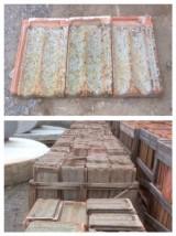 Teja plana alicantina antigua. Mide 45 cm x 26 cm. En 1 m2 entran 12 piezas aprox.