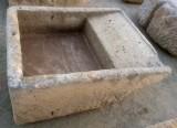 Pila de lavar antigua, mide 1.15 cm x 95 cm x 40 cm de alta.