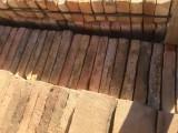 Ladrillo de muro cara vista. Mide 25x14x4 cm. En stock hay 86 Uds.