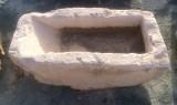 Pila de lavar antigua, mide 1.03 cm x 55 cm x 38 cm de alto.