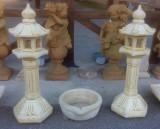 farolillos de piedra artificial color ocre, miden 36 cm x 36 cm x 1.15 cm de altos