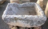 Pila de lavar antigua, mide 1.10 cm x 88 cm x 45 cm de alto.