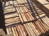 Losa de barro antigua. Mide 27x27x3/4 cm. En stock hay 190 Uds = 13,85 m2