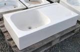 Fregadero de piedra crema marfil con escurridero. Mide 1.05 cm x 55 cm x 22 cm de alto