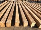 Vigas madera de pino antiguas cepilladas. Miden 32x23 y sus largos van desde 6.3 mts a 6.50 mts