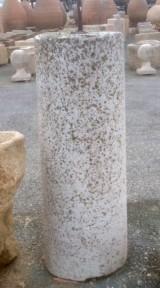 Rulo de piedra viva. Mide 43 cm de diámetro x 1,27 cm de alto.