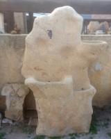 Fuente de piedra natural de roca. Mide: 1.20 cm ancho x 1.75 cm alto x 60 cm fondo