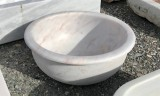 Lavabo de mármol para encastrar blanco Macael. Mide 45 cm de diámetro x 18 cm de alto