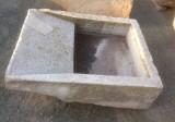 Pila de lavar antigua, mide 1 mt x 78 cm x 30 cm de alto