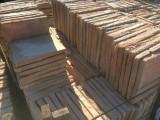 Losa de barro antigua. Mide 29x29x3 cm. Hay 259 Uds = 21,78 m2
