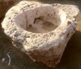 Pilón irregular de piedra roca, mide 1.20 cm x 1.10 cm x 50 cm de alto