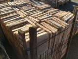 Losa de barro antigua. Mide 24x24x3,5 cm. Hay 306 Uds = 17,63 m2