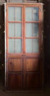 Alacena de madera antigua. Mide 92 cm de ancho x 2.12 cm de alto