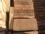 Ladrillo de muro cara vista. Mide 24x11,5x3,5 cm. En stock hay 137 Uds