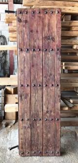 Puerta antigua de madera. Mide 62 cm ancho 2.08 m alto