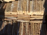 Ladrillo de suelo antiguo. Mide 29x15x3/4 cm. En stock hay 101 Uds = 4,39 m2