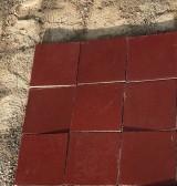 Losa de cemento, mosaico. Mide 20x20 cm. Disponible 46.10 m2