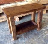 Mueble mesa para baño, con balda y con cajón abierto a medida, madera maciza color nogal. Mide 1.06 m x 46 cm x 80 cm de alta