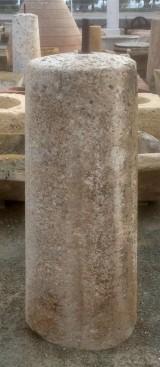 Rulo de piedra viva. Mide 46 cm de diámetro x 1,12 cm de alto.