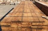 Tarima de pino antigua, perfecta para techos o para suelos. Mide 3 cm de gruesa y 15/30 de ancha.