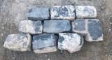Adoquin de basalto antiguo . Mide 20/22 cm x 10/11 cm x 15 cm de alto. Hay 54 m2