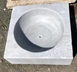 Lavabo de mármol antiguo, mide 55 cm x 55 cm x 20 cm de alta