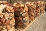 Palets de piedra de rocalla para jardines, ideal para bordillos o cercos de árboles. Decora por sí sola.