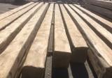 vigas de madera de pino antiguas. Miden 38 x 31 cm y sus largos oscilan entre 8,36 ml y 10,40 ml