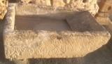 Pila de lavar antigua, mide 1.28 cm x 77 cm x 40 cm de alto.