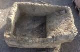 Pila de lavar antigua, mide 1.13 cm x 75 cm x 47 cm de alto.